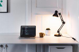 Das Clean Desk Prinzip – wie Du endlich dauerhaft Ordnung auf Deinem Schreibtisch schaffst